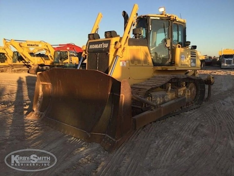 Used Komatsu Crawler Dozer in yard for Sale