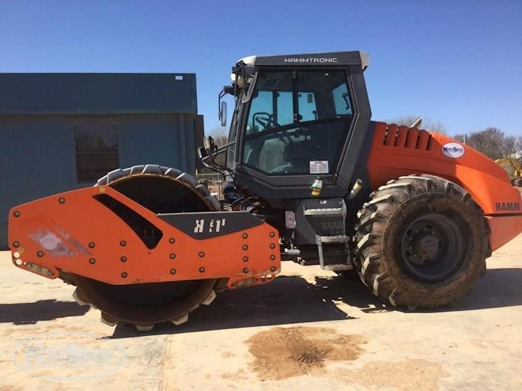 Side of Used Hamm Compactor for Sale