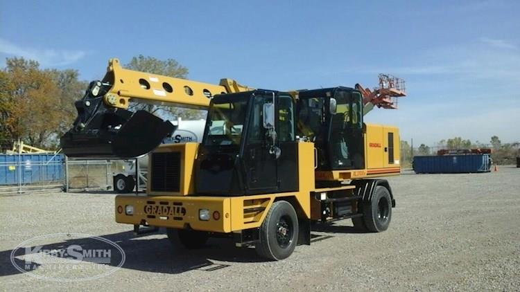 Used Highway Speed Wheeled Excavator for Sale
