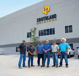 Southland Holds uses Komatsu equipment to expand into one of the nation's largest full-service contracting companies