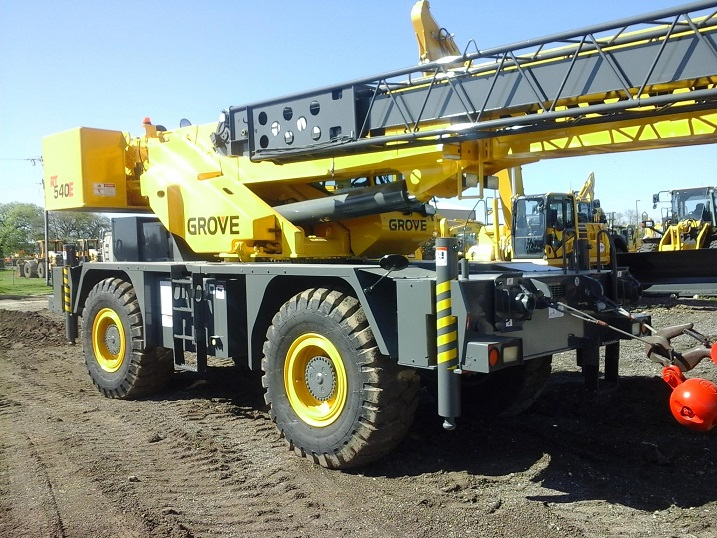 Used Grove Rough Terrain Crane with Boom