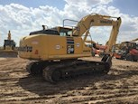 Used Komatsu Excavator in yard for Sale