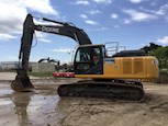 Used Deere Crawler Excavator in Yard for Sale